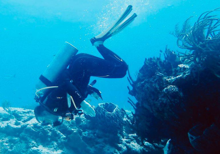 30 actions complètement dingues des accros à la plongée